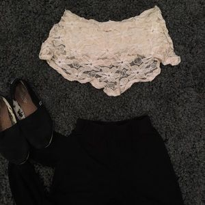 Floral lace strapless crop top